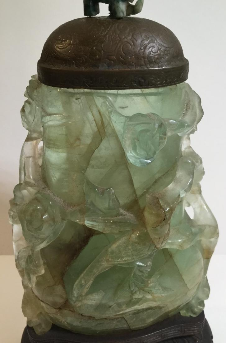 19th century Chinese Carved Green Quartz Vase - 3
