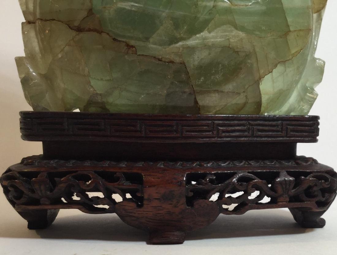 19th century Chinese Carved Green Quartz Vase - 5