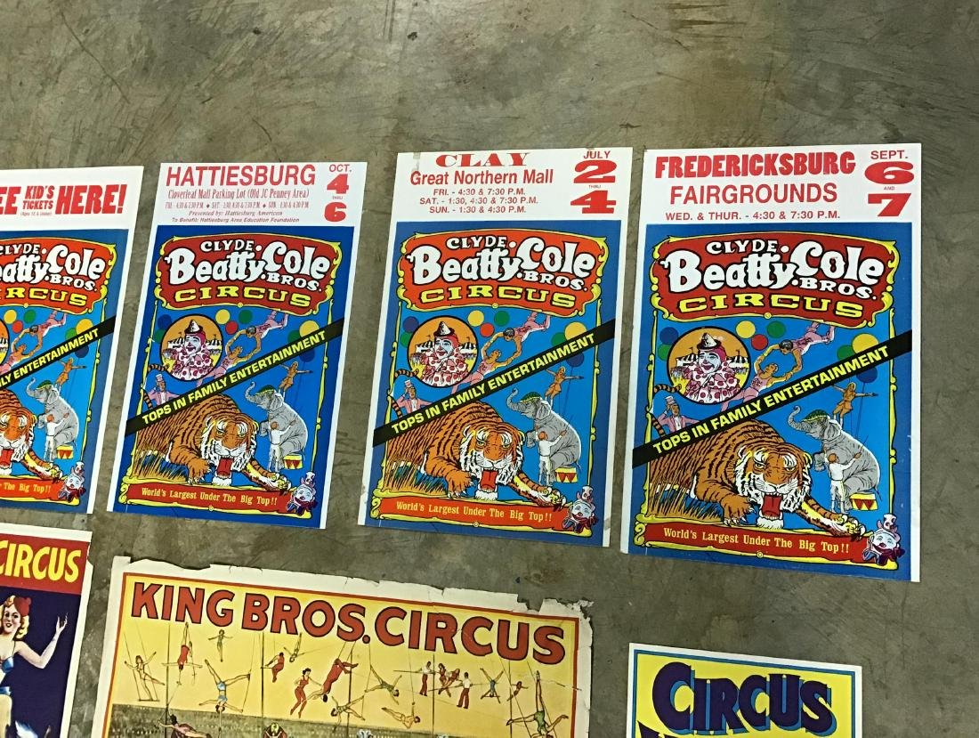 Lot of Vintage and Newer Circus posters, flyers and - 3