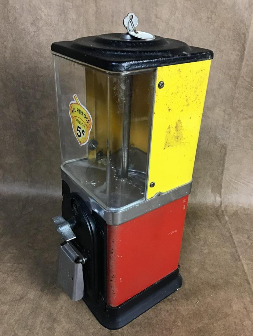 Vintage $.05 Gumball machine with key - 2