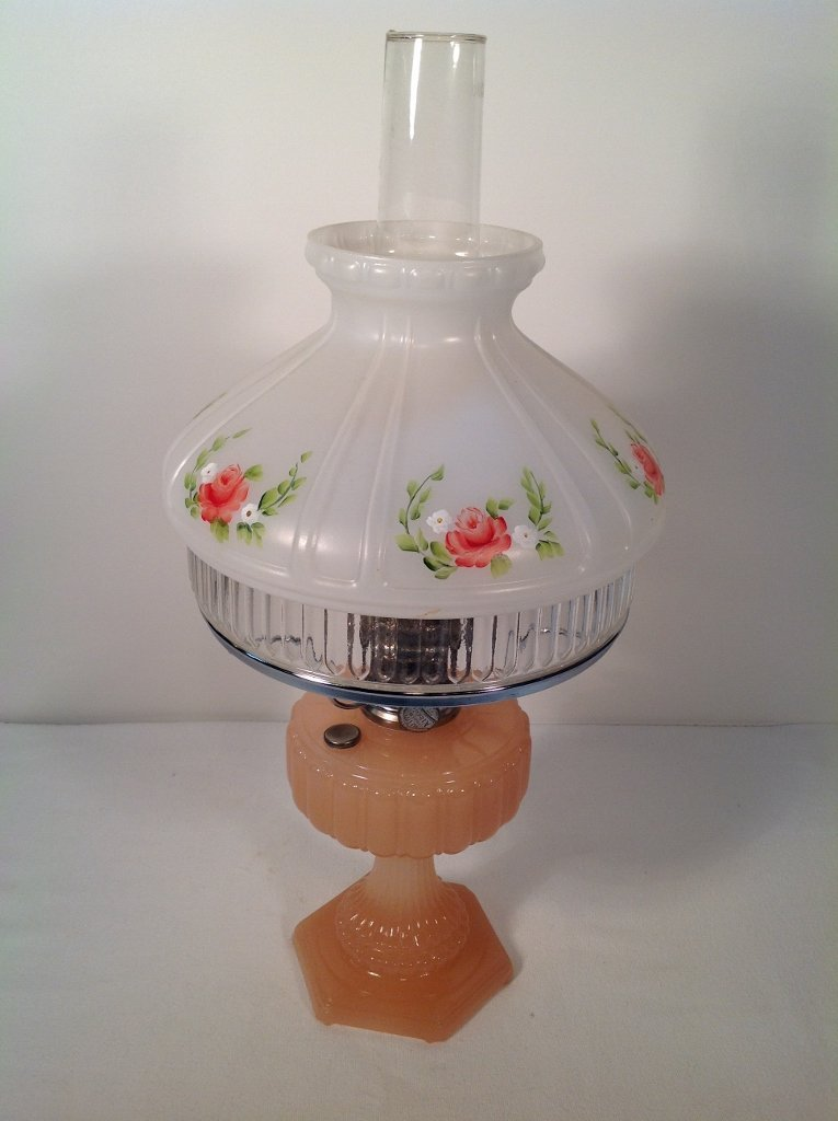 1934 Aladdin Pastel Flesh Moonstone Cathedral Oil Lamp