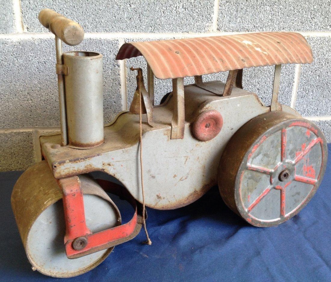 Keystone Toys Pressed Steel Steam Roller Ride On