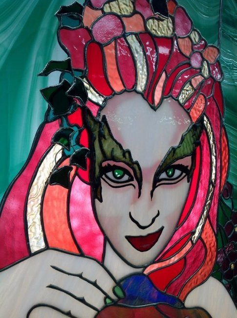 "Uma Thurman ""Poison Ivy"" Stained Glass - 3"