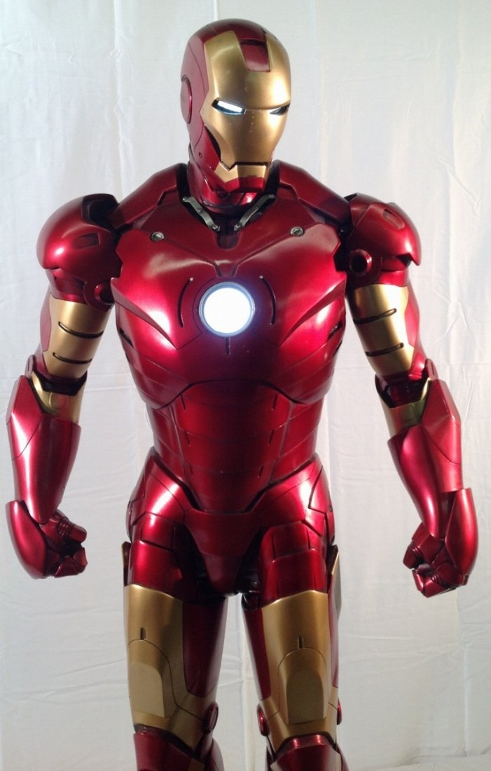 Iron Man maquette 1:2 scale by Sideshow Collectibles