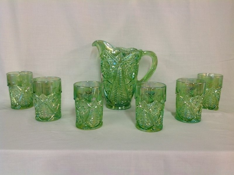 Smith Light Green Wreath and Tree Water Set