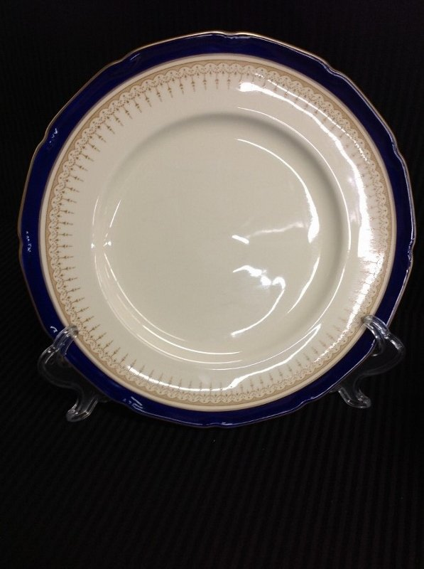12 Plates of Royal Dalton Duke of York Pattern - 3