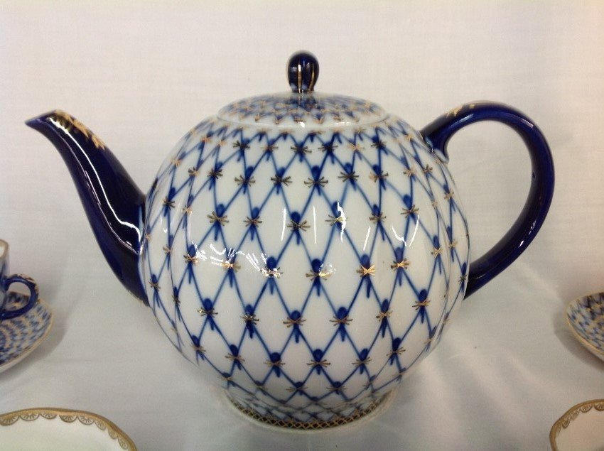 Russian Teapot w/4 Cups & Saucers - 2