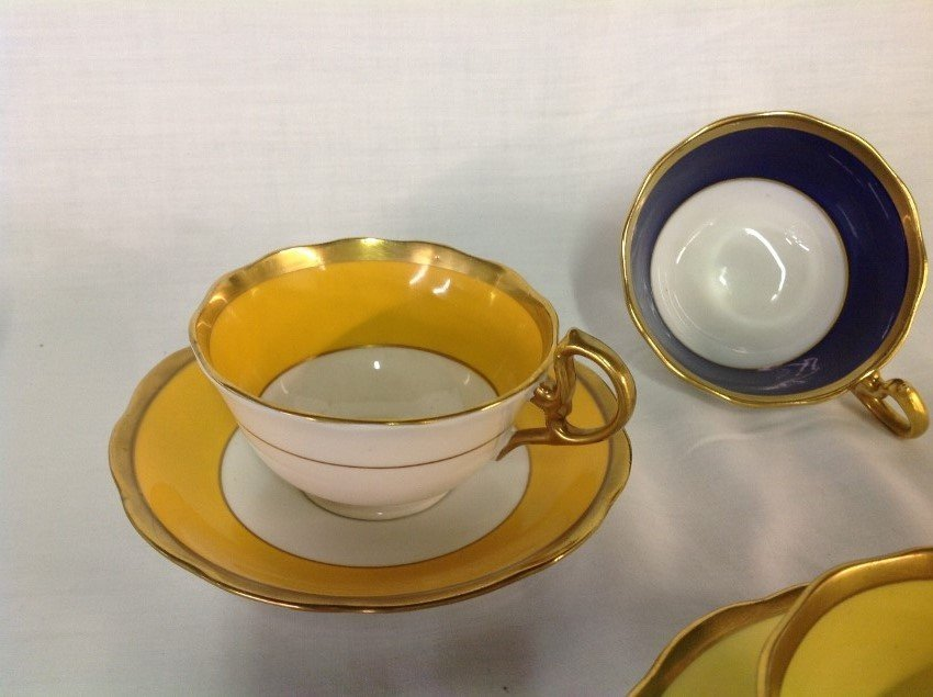 Royal Albert 4 Sets Teacups & Saucers with 2 Extra - 2