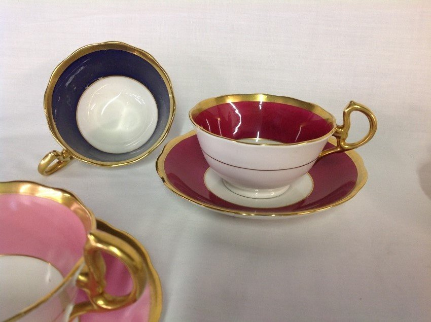 Royal Albert 4 Sets Teacups & Saucers with 2 Extra - 3