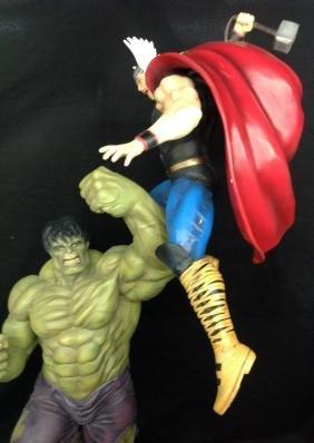 Hulk Vs Thor Diorama