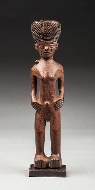 Lwena hominoid statue