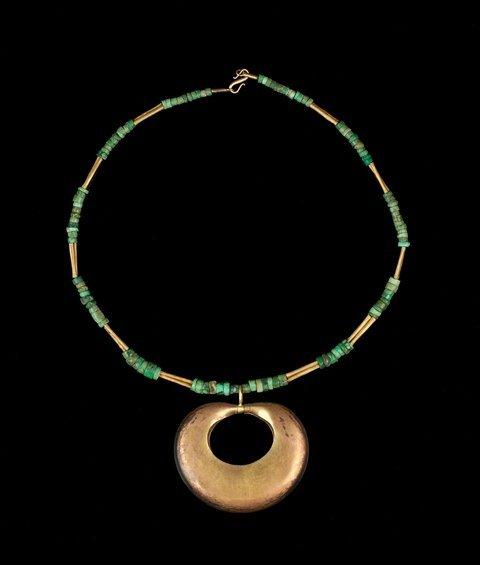 Taronas necklace