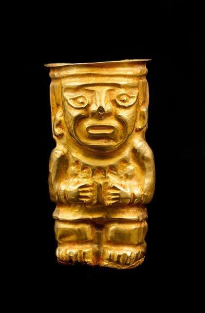 Hominoid ceremonial Kero