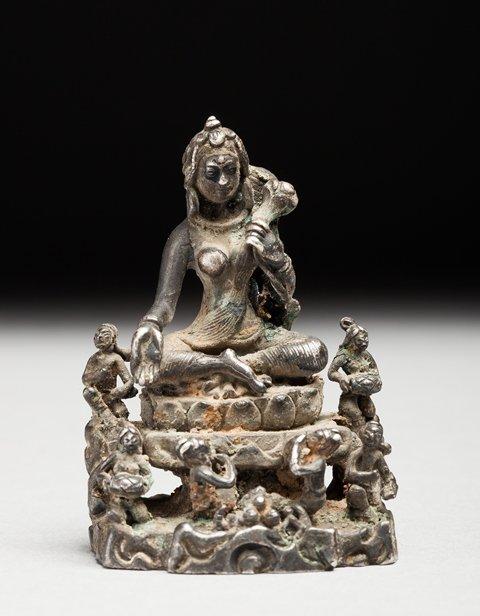Idonesian statue