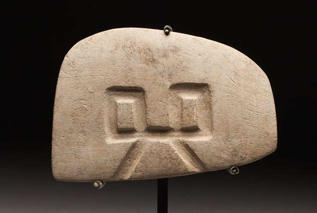 Valdivia votive plate