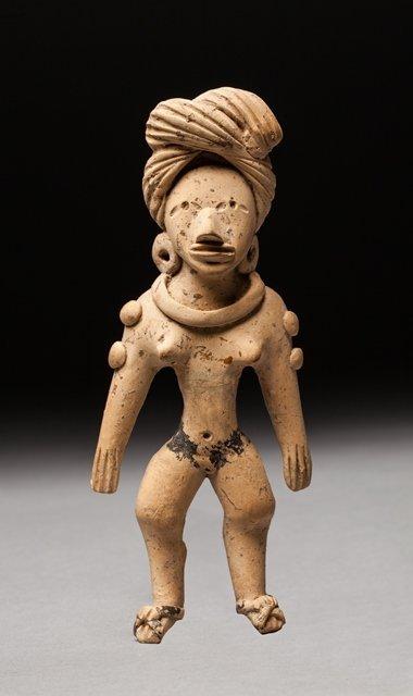 Huaxtec hominoid statue