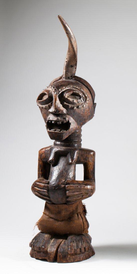 Impressive Songye ancestral statue