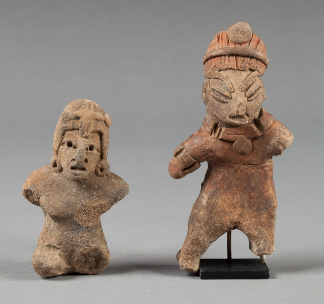 Lot with two Tlatilco statues