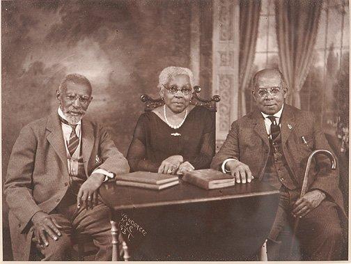 111: James Van Der Zee. Family Portrait, NY, 1931.