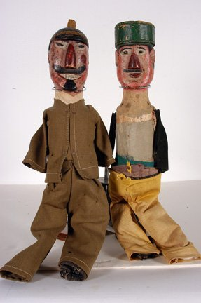 931: German Punch and Judy Dolls.