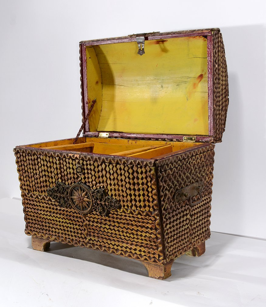 Tramp Art Hope Chest. - 3