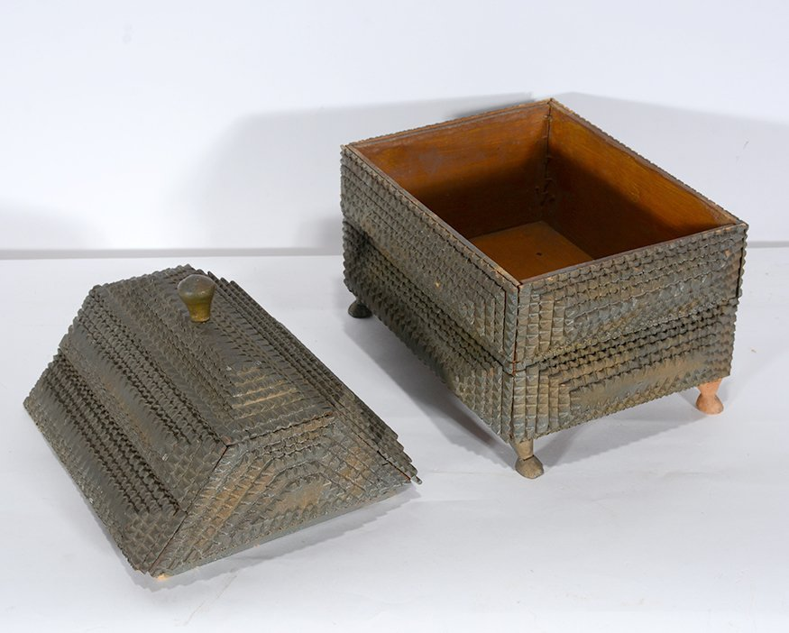 Tramp Art Box With Large Lid and Horse Hoof Feet. - 3