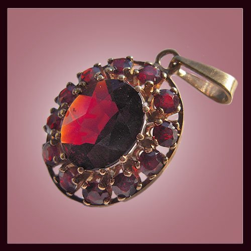 Golden Pendant With Garnet Stones Plate Mark - 33