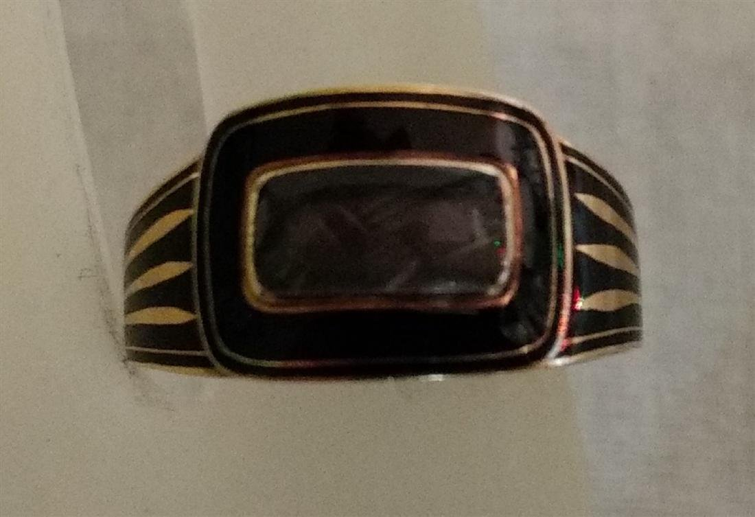Victorian Mourning Jewelry Gold/Onyx Ring w/Weaved Hair - 3