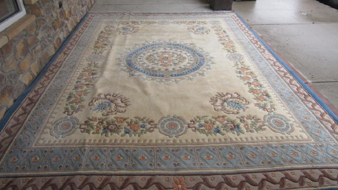 Beautiful Oriental Wool Area Rug - 2