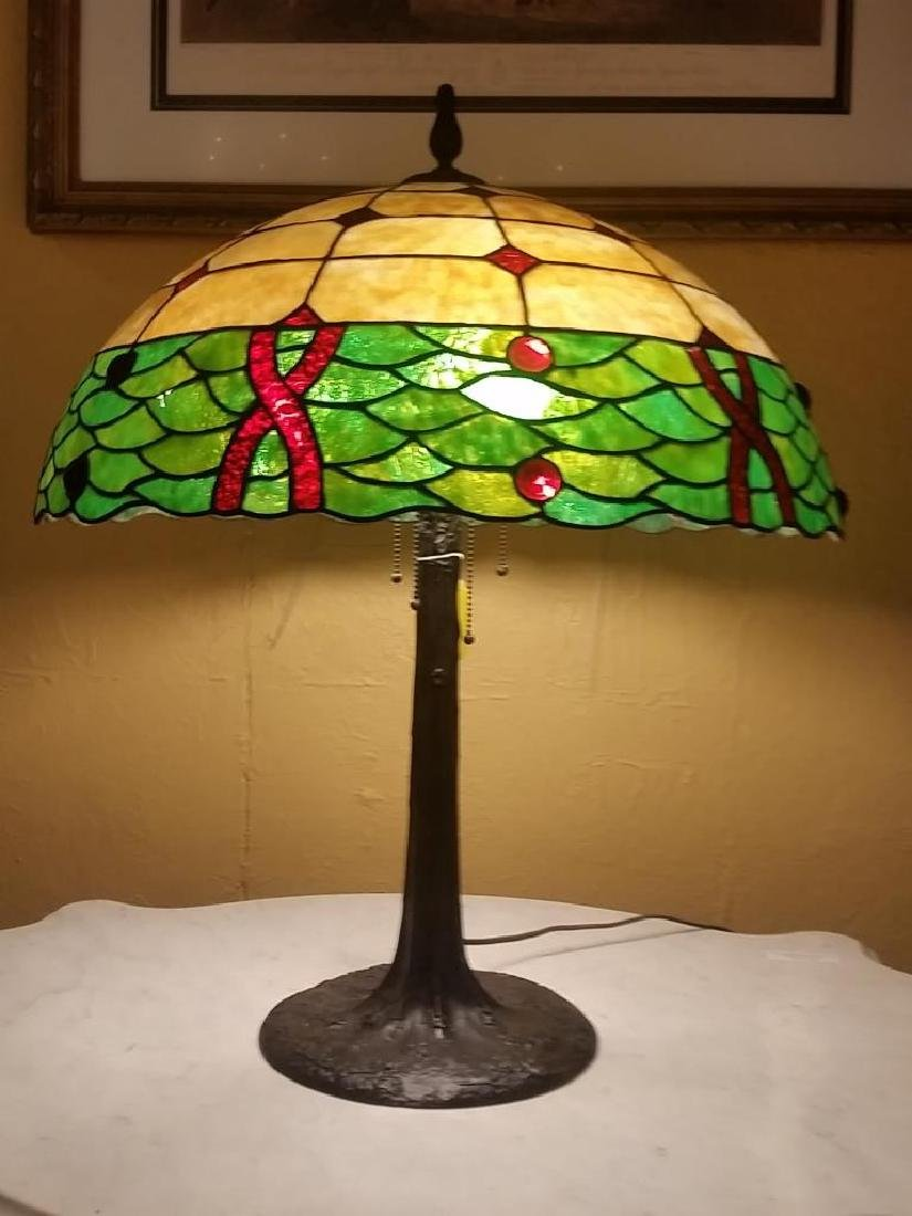 Tiffany Style Bronze Table Lamp
