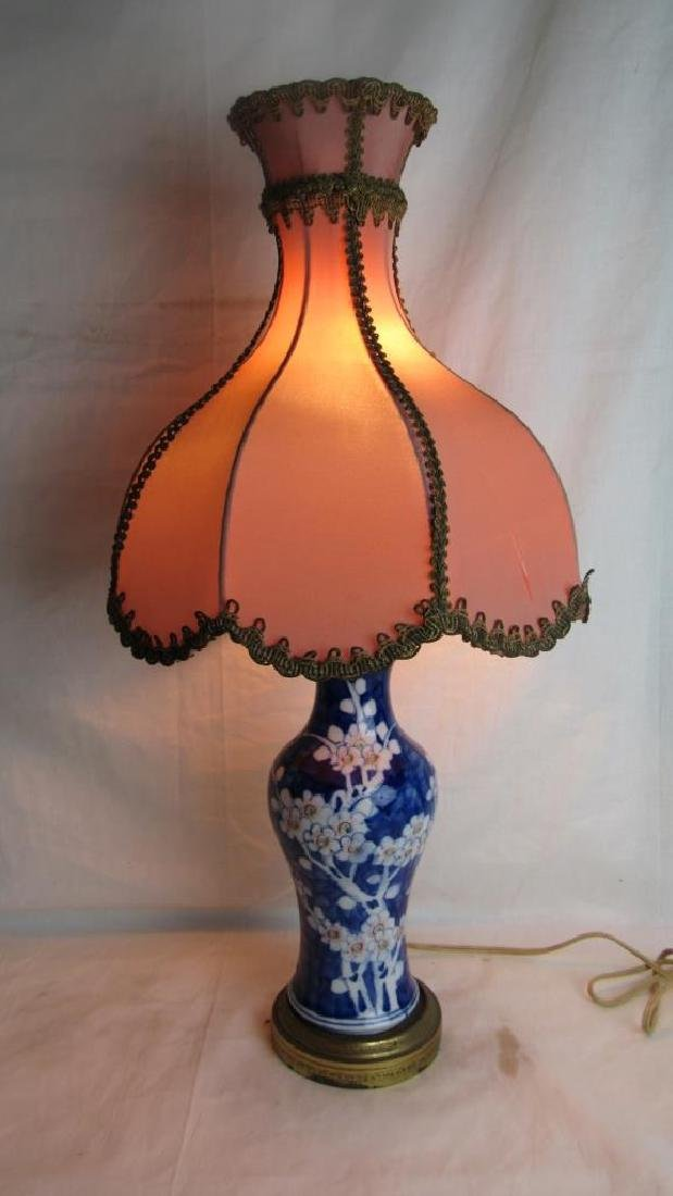 19th-20th Century Chinese White and Blue Vase/lamp