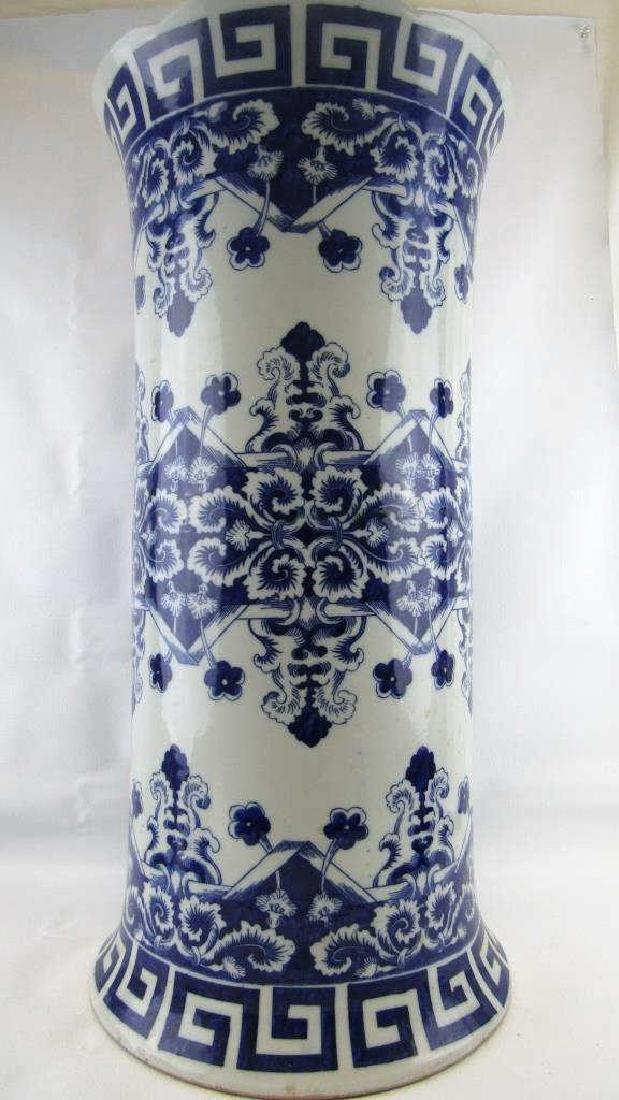 18th-19Th Century Blue and White Umbrella Holder - 4