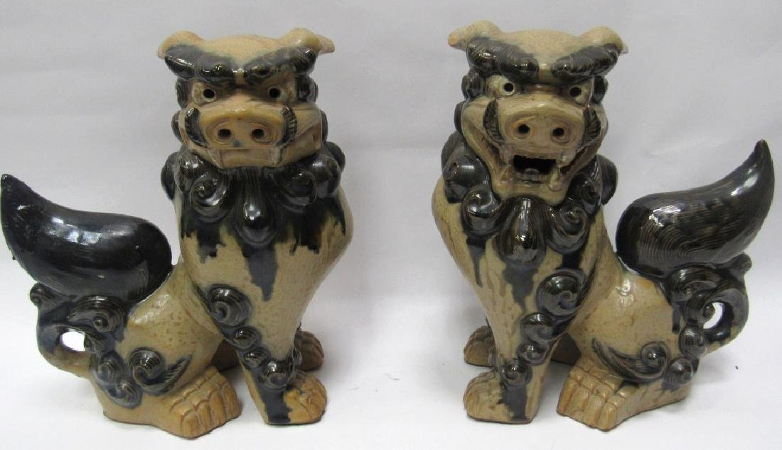 Pair of Figurines of Foo Dogs