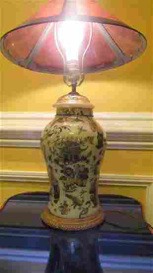 Exquisite Chinese Qing Dynasty interior Glass Bote