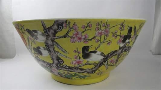 Chinese Dayazhai Famille Rose Yellow Large Bowl