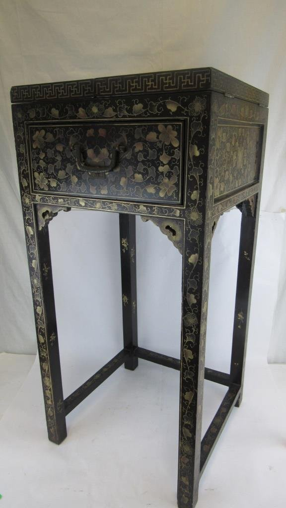 Chinese Export Black Laquer Dressing Table - 4