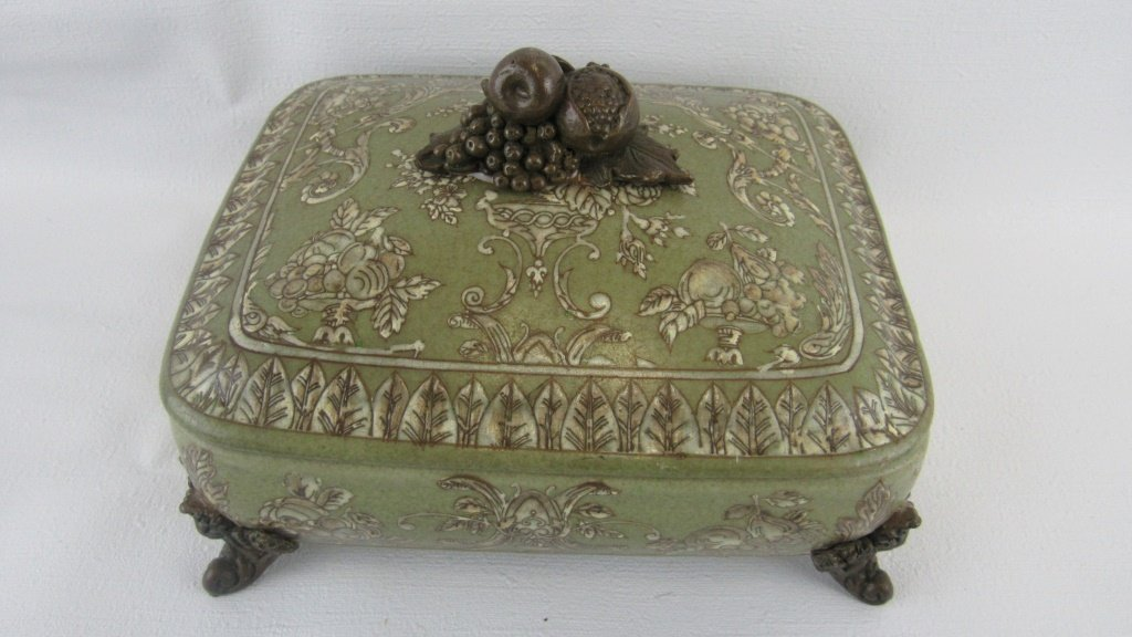 Chinese Exported Lidded Bowl - 2