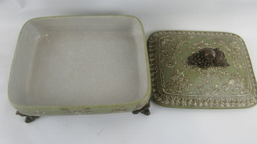Chinese Exported Lidded Bowl - 5