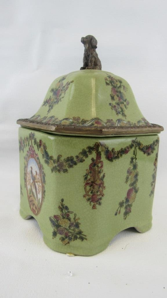 Chinese Exported Lidded Jar