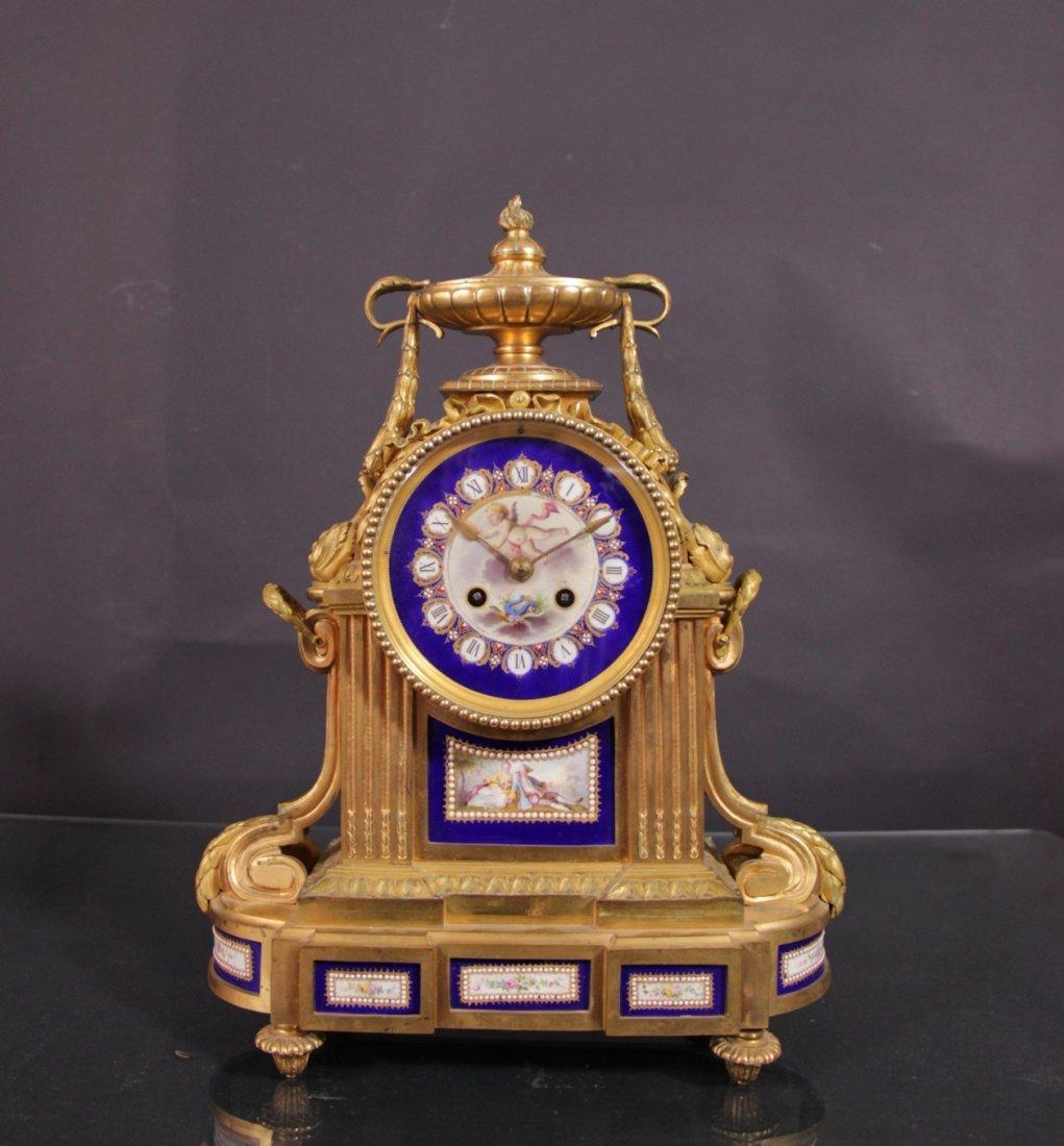 Gilt bronze clock - Orologio in bronzo dorato.