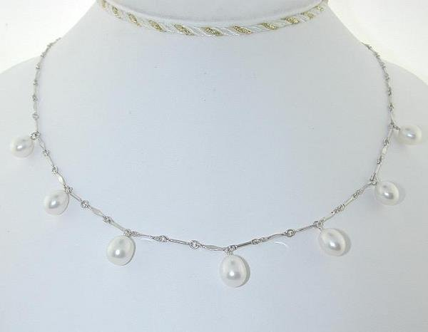 2013: BEAUTIFUL GOLD AND PEARL NECKLACE 14K