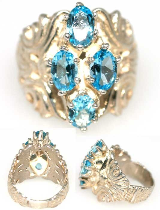 4013: 3 CT BLUE TOPAZ SILVER RING