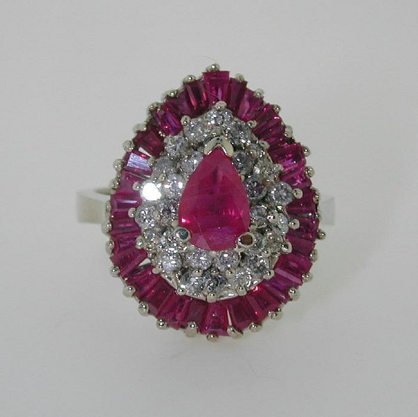 5002: 2.5 CT DIAMOND AND RUBY 14K 7.7GR