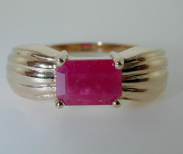 5012: 1 CT RUBY GOLD RING