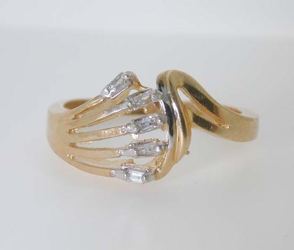 5010: BEAUTIFUL DIAMOND RING 14K 3.7 GR