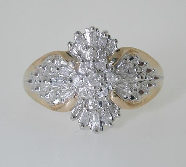 5013: 0.60 CT DIAMOND RING