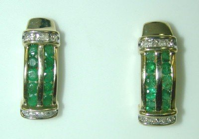 1007: 1 CT DIA AND EMERALD EARRINGS