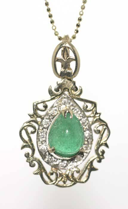 1014: 4 CT CABOCHON EMERALD AND DIA 14K 6 GR