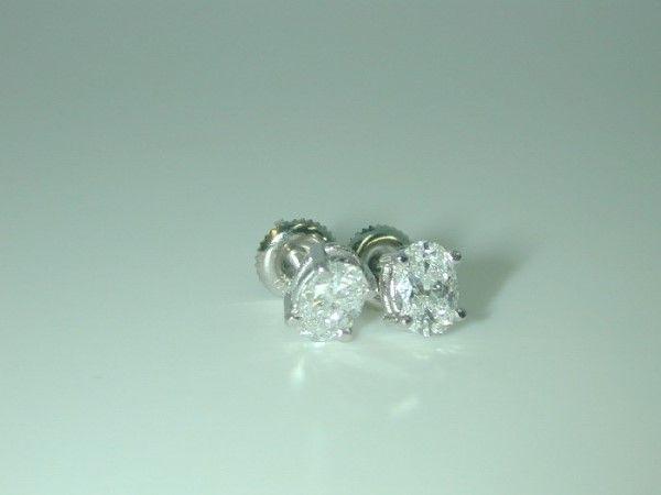 4747: 1.15 DIAMOND STUD EARRINGS