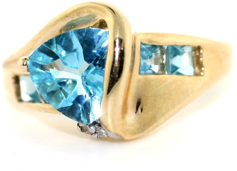 3016: 2 CT DIA AND BLUE TOPAZ RING